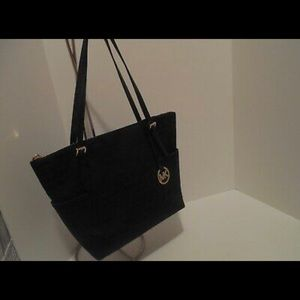 Michael Kors NWT Jet Set Tote Black Zip Bag